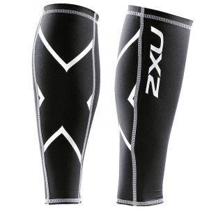 The 2XU PWX calf guard is a compression sleeve with PWX FLEX for optimal flexibility + movement, Moisture wicking and Flatlock seam contruction.