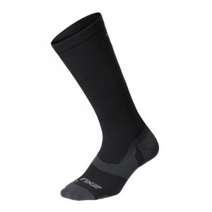 Introducing the VECTR Cushion 1/4 Crew Socks with X-LOCK compression technology. Powerful compression support locks the foot in place to improve stabilisation and optimise movement across a range of activities.