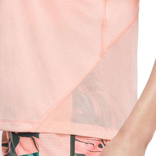 Nike Miler Short Sleeve Women's Close up