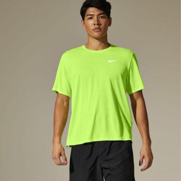 Nike Men's DF Miler Short Sleeve Running Tee Model